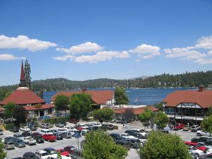 The Lake Arrowhead Village is fun to explore with a dog